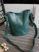 Large bag with a long belt-3
