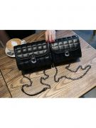 Shoulder Bag with Chain-5