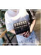 Shoulder Bag with Chain-6