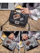 Small shoulder bag with chain-3