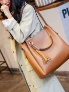 Large handbag-1