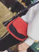 Shoulder bag with separate hand-6