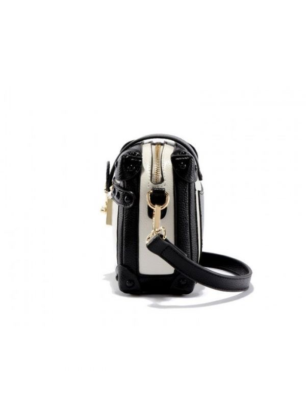 Black shoulder bag in white