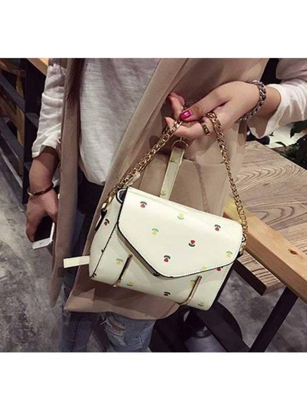 حقيبة يد بيضاء