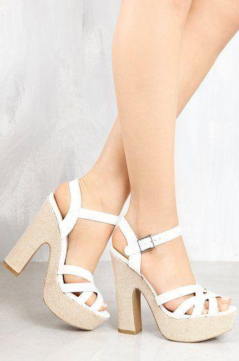 حذاء جيت أليفت باللون الأبيض