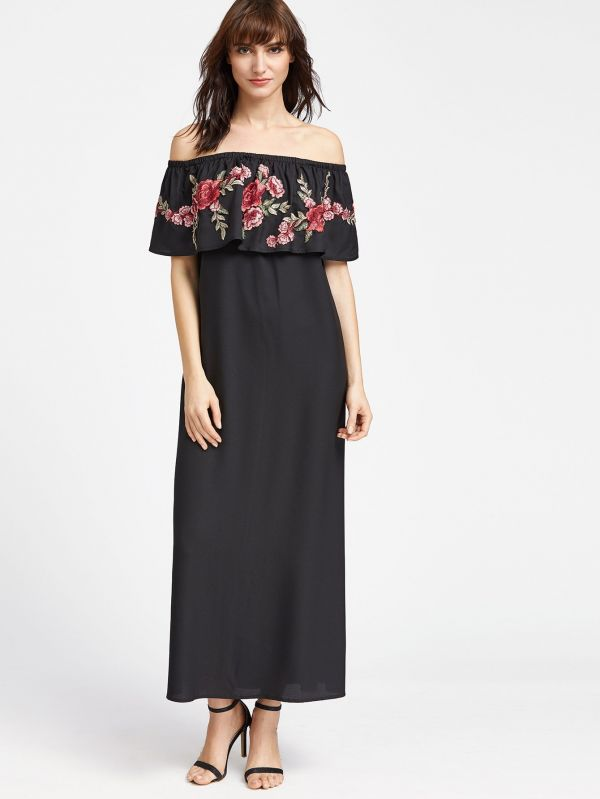Black dress on the shoulder Flowers print with an open shoulder