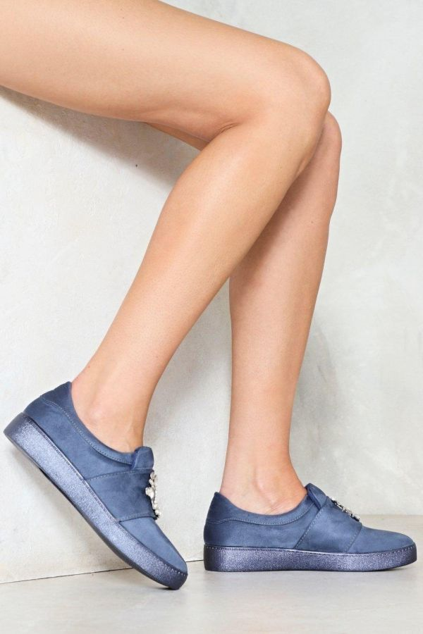 حذاء فلات مخملي