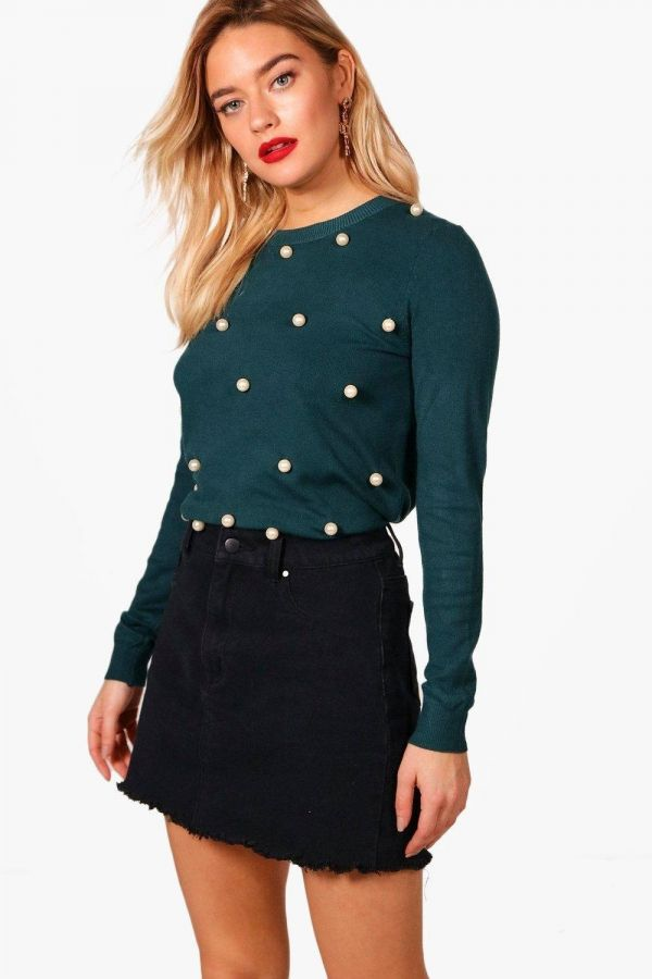Long sleeve blouse and embroidery