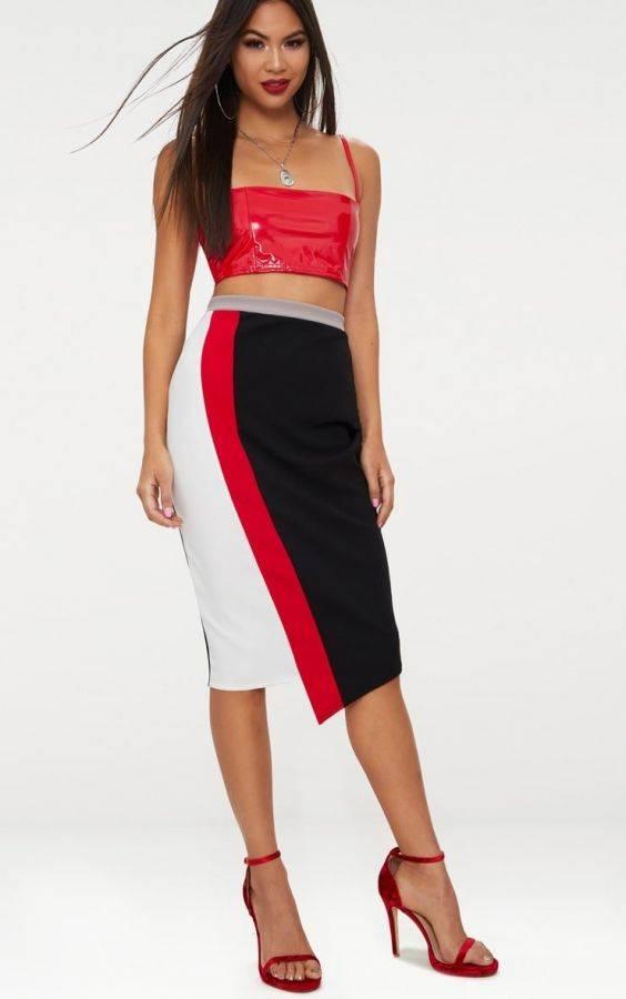 Medium black skirt