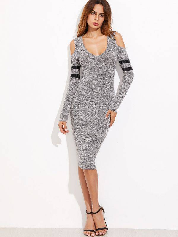 Tight gray knitted dress exposed long-sleeved shoulder