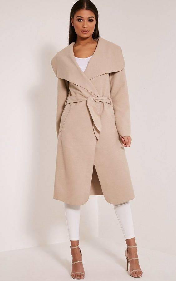 معطف متوسط الطول