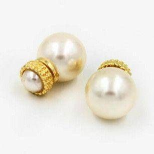 Double pearl earring