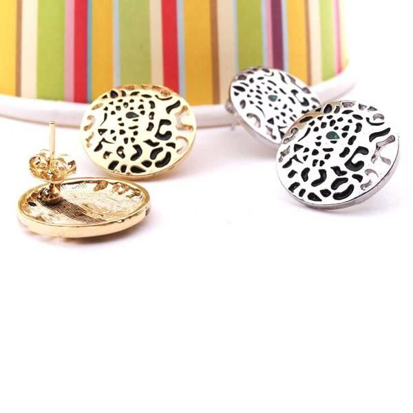 Rounded earring