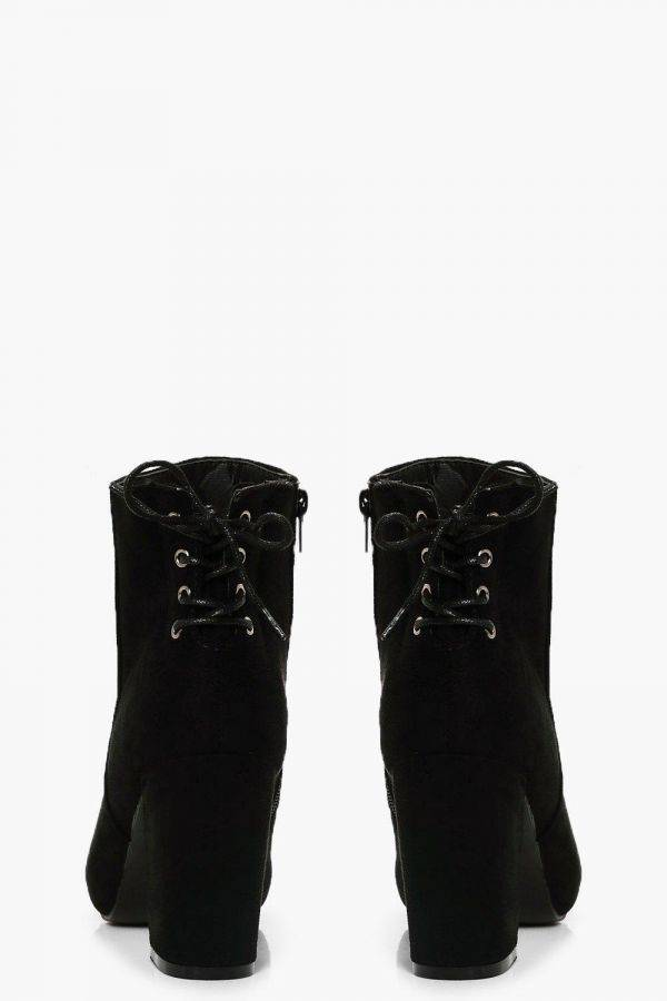 Heap Boots Heel Cube
