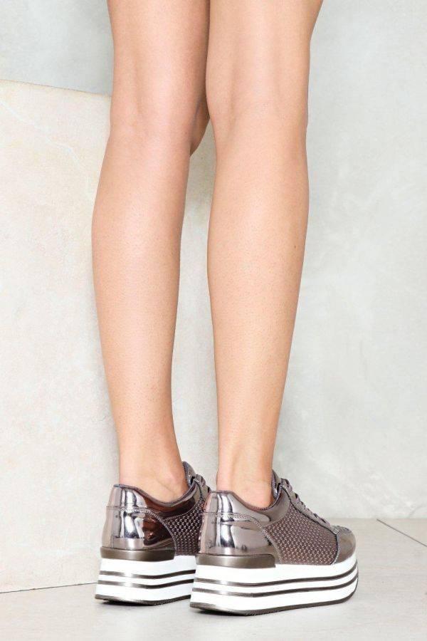 حذاء فضي ميتاليك