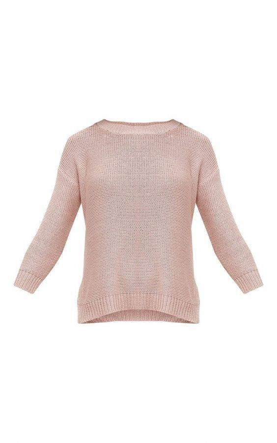 A pink knitting blouse