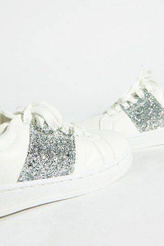 حذاء رياضي نسائي بجليتر فضي