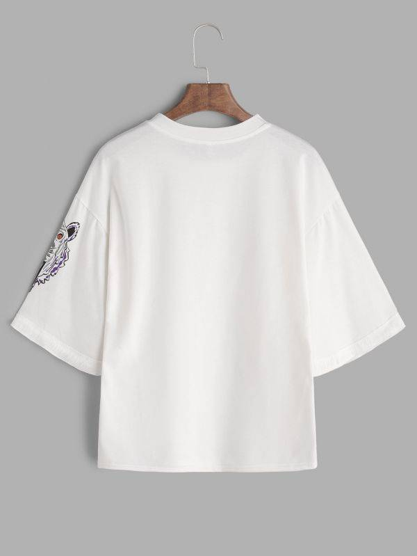 White T-shirt with short