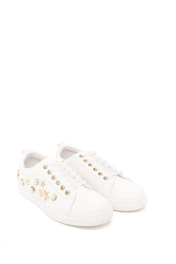 White sports shoes with star printing