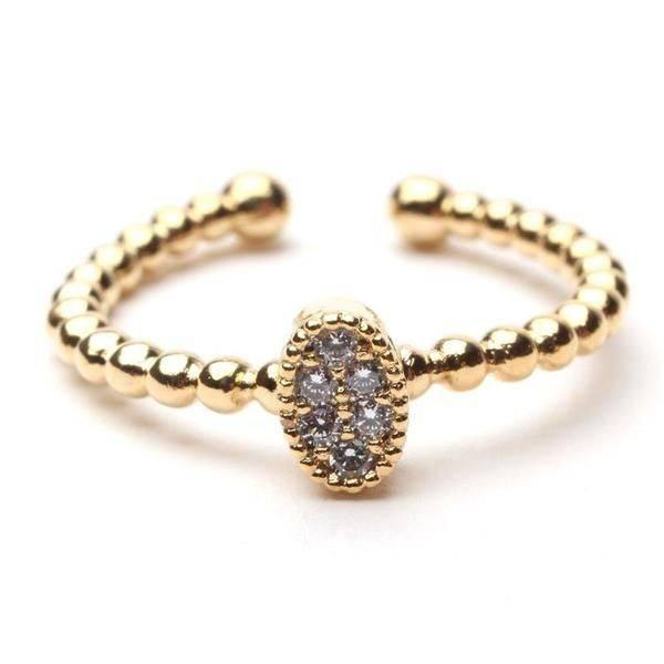 Fine oval ring of zircon