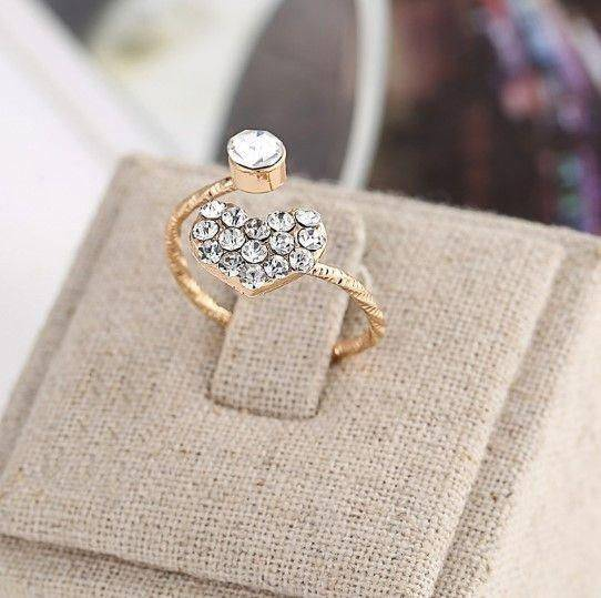 Heart ring and round