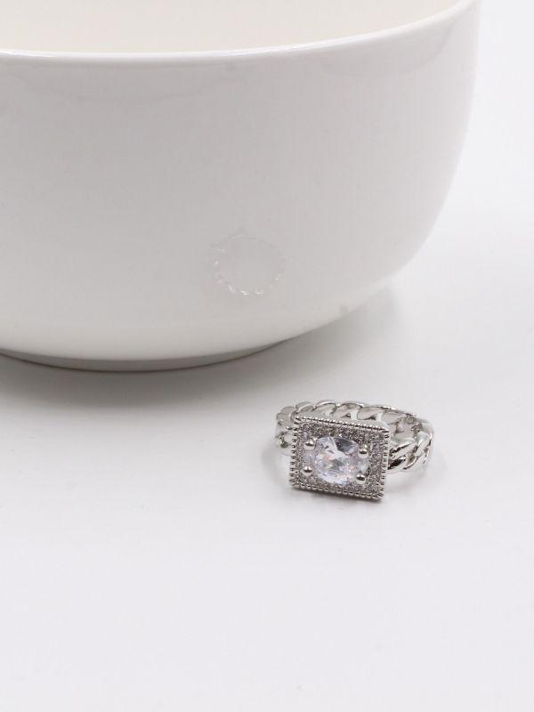 elegant zircon stone ring