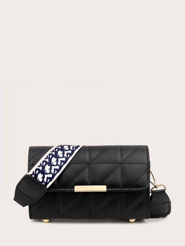 حقيبة صغير سوداء بحزام مطرز