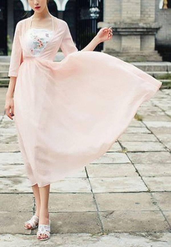 فستان وردي ناعم