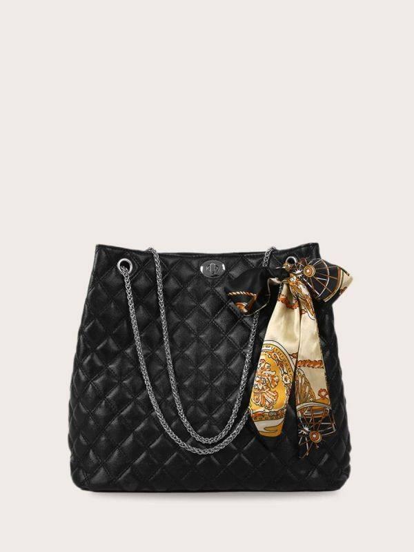 حقيبة يد بوشاح ملون