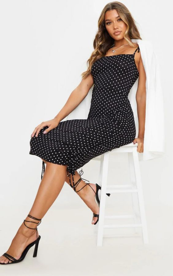 Black heart-shaped lace-up midi dress