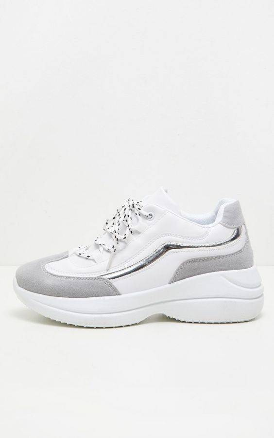 حذاء للمشي نسائي