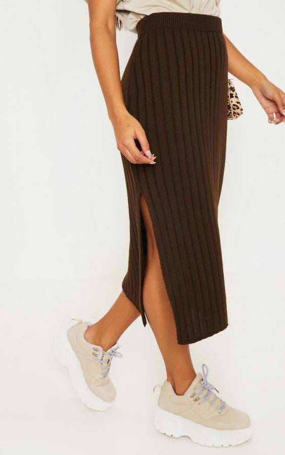 The Midi skirt is brown
