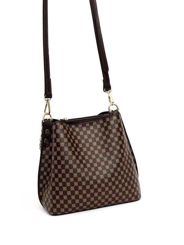 حقيبة بنية بشعار-3