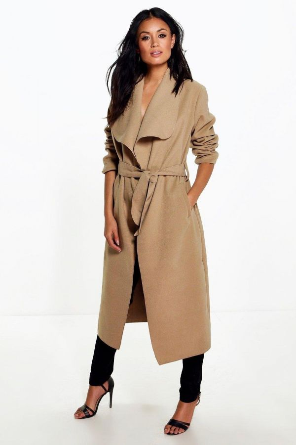 Long-sleeved coat