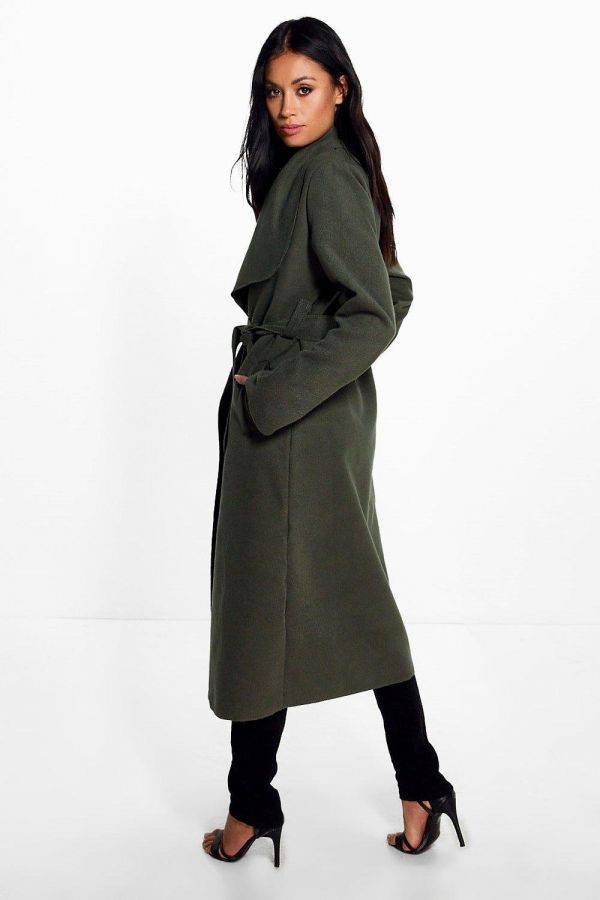 Long-sleeved coat