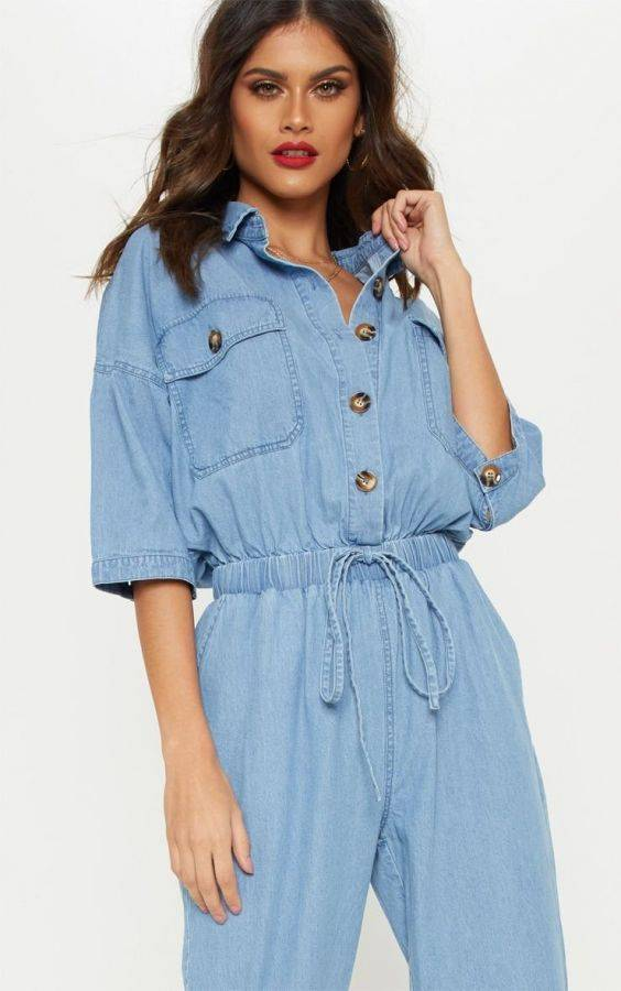 Stylish jeans jumpsuit with turtle buttons and elasticated belt