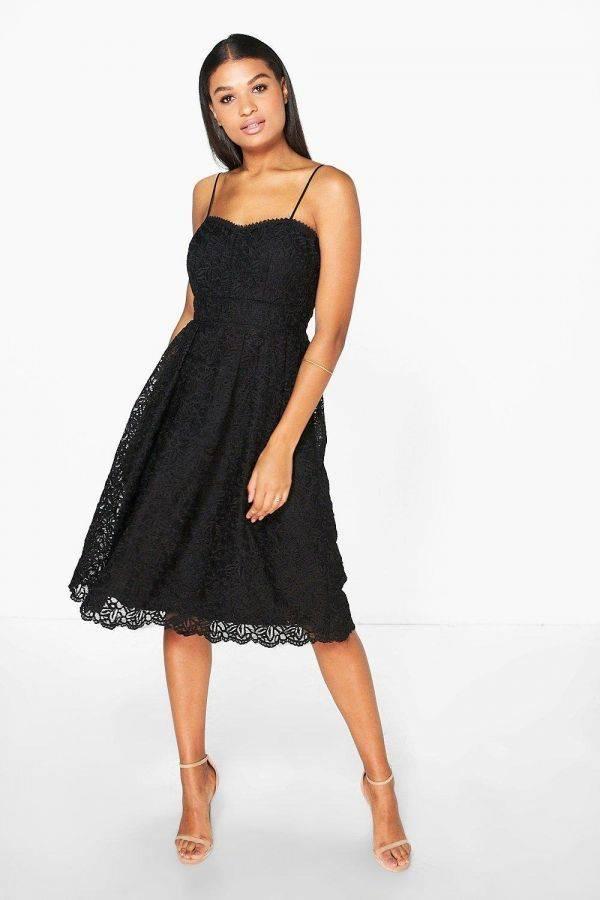 فستان مطرز من سترابي ميدي ماركة بوهو