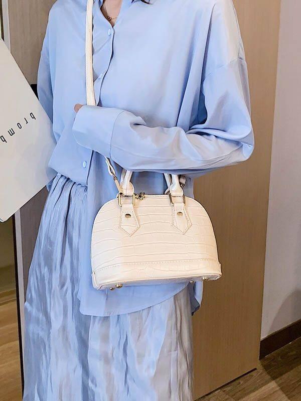 A small beige bag