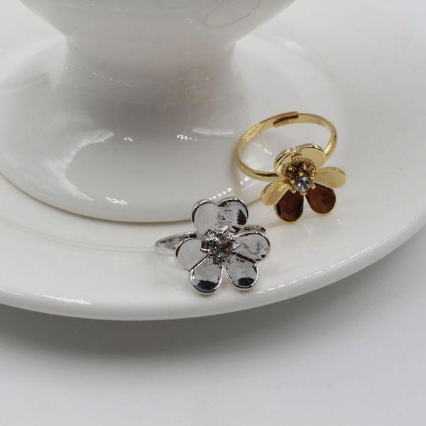 خاتم فان كليف شكل وردة