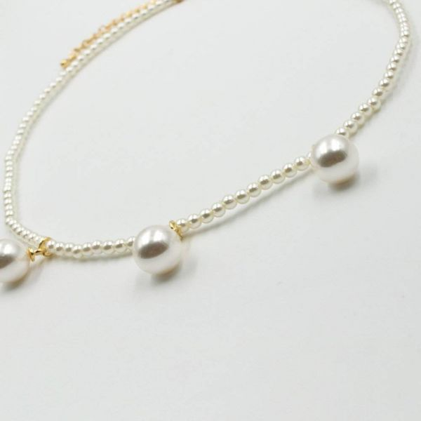 Lulu's elegant necklace