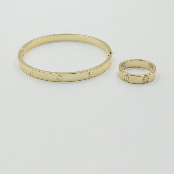 اسواره كارتير مع خاتم دائريه الشكل