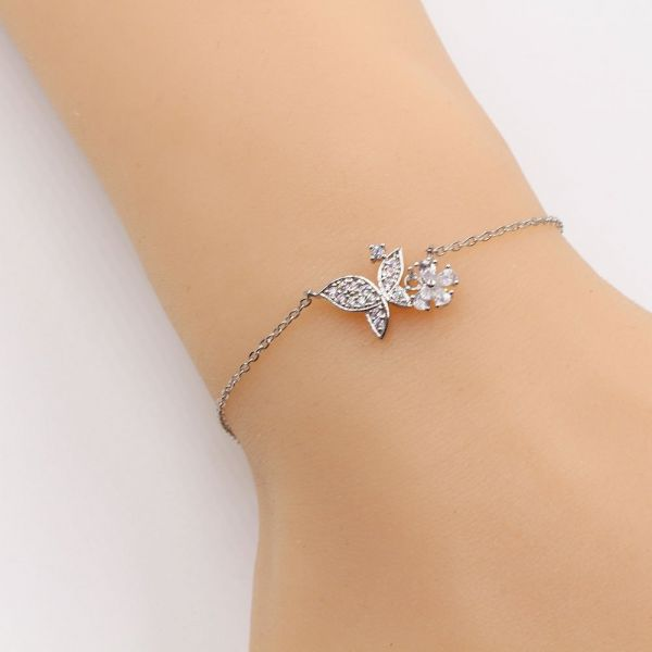 The walls of the butterfly smooth cubic zirconia