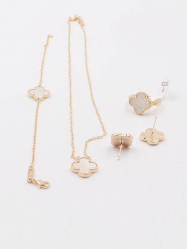 Van Cleef Set Seashell 4 Pieces