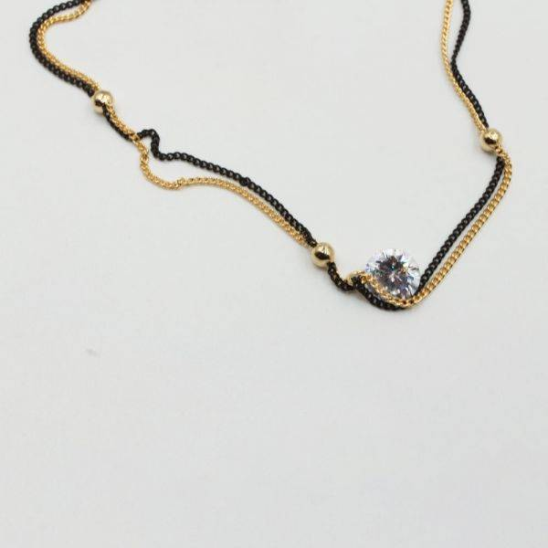 A Korean catcher with two layers of zircon