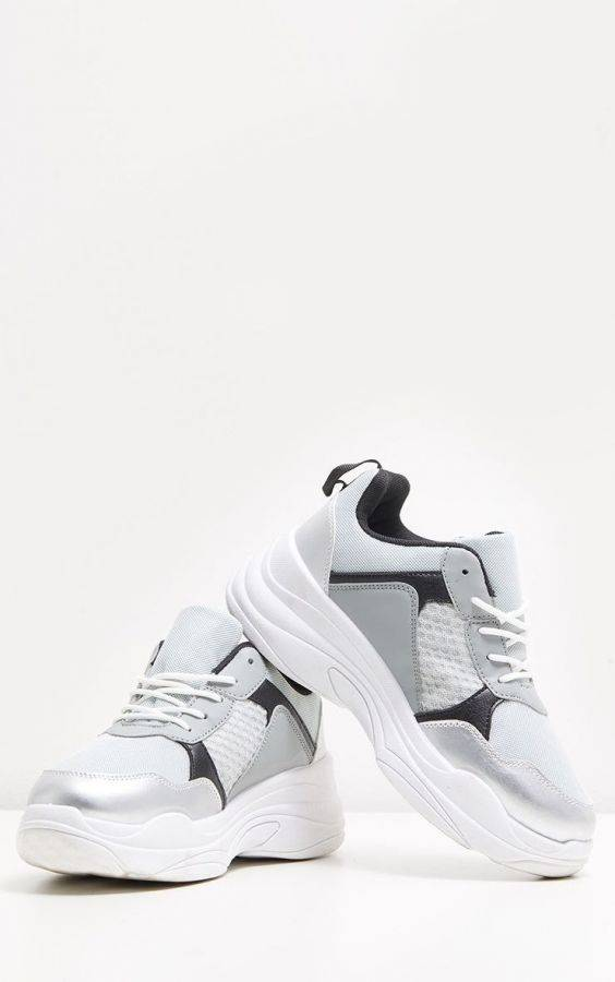Athletic shoes for girls